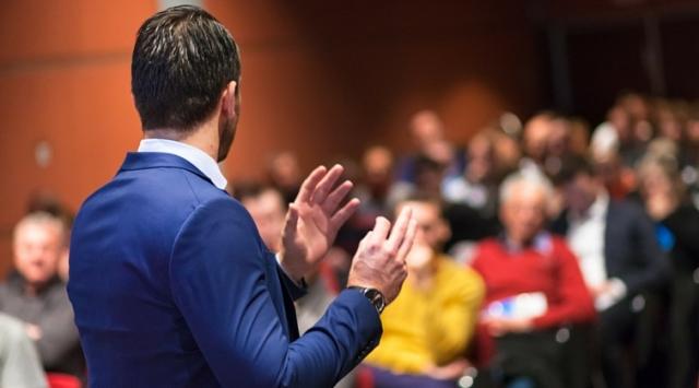 Hipnoz İle Topluluk Önünde Konuşabilme Eğitimi